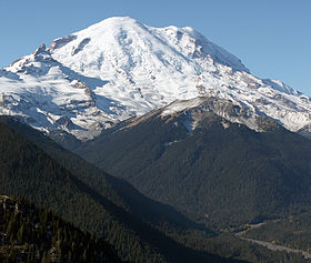 """Mount Rainier 5917s"" by Walter Siegmund (talk) - Own work. Licensed under CC BY-SA 3.0 via Wikimedia Commons - http://commons.wikimedia.org/wiki/File:Mount_Rainier_5917s.JPG#/media/File:Mount_Rainier_5917s.JPG"